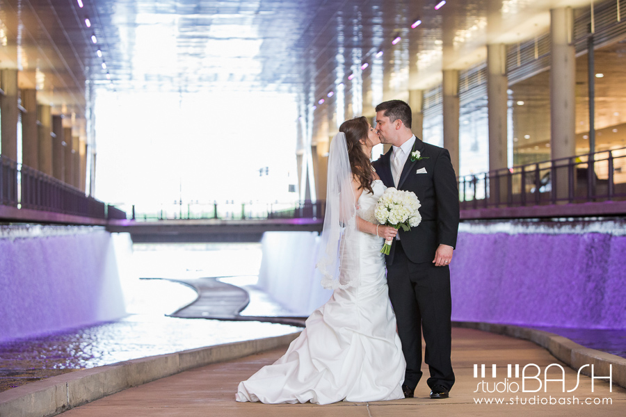 Pittsburgh Wyndham Grand Downtown Wedding Photos | Michelle and Mike